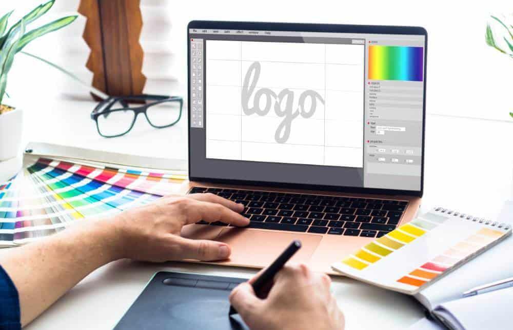 תמונת נושא לעמוד עיצוב לוגו: כך תבחרו את הלוגו המתאים ביותר לעסק שלכם